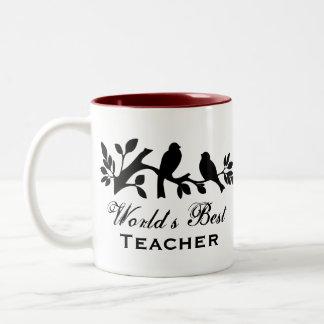 La mejor rama de la silueta de los gorriones del taza de café de dos colores