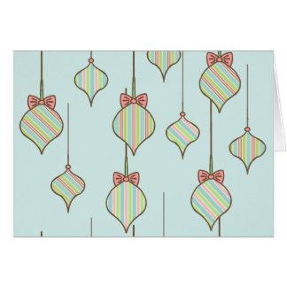 La menta adorna la tarjeta de Navidad