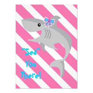 La mordedura del tiburón del chica invita a la 3ro invitación 13,9 x 19,0 cm