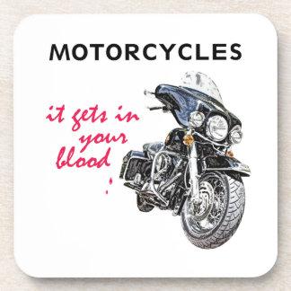 La motocicleta consigue en su sangre posavaso