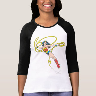 La Mujer Maravilla sostiene el lazo 4 Camiseta