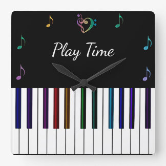 La música colorida del piano observa el reloj de