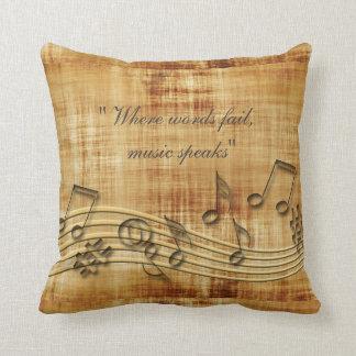 La música observa la almohada de tiro