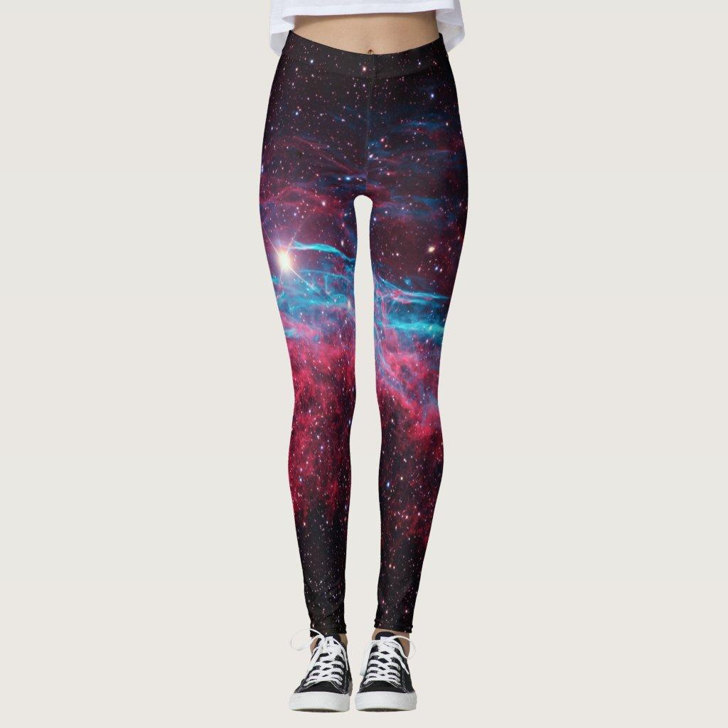 La nebulosa de la galaxia protagoniza las polainas leggings