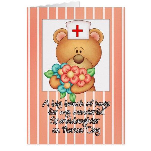 La nieta cuida la tarjeta del día con la enfermera | Zazzle