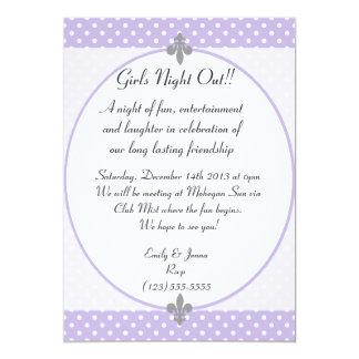 La noche violeta con clase de los chicas de los invitación 12,7 x 17,8 cm