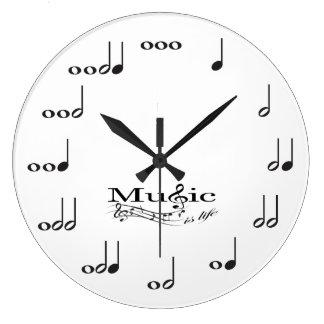 La nota de la música con música es el decir de la reloj redondo grande