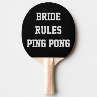 La novia gobierna la paleta del ping-pong del boda pala de ping pong