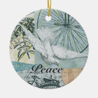 La paloma de la paz se imagina navidad de la paz adorno navideño redondo de cerámica