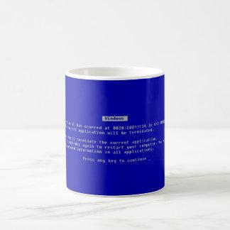 La pantalla azul del ordenador de la muerte tazas de café