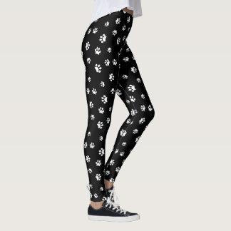 La pata blanca imprime el modelo leggings