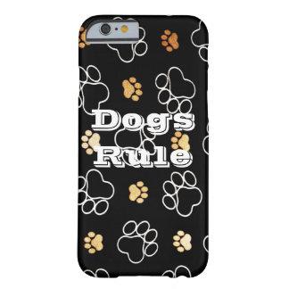 La pata de la regla de los perros imprime los funda para iPhone 6 barely there