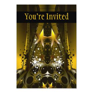 La película de oro aspa y las estrellas de un invitación 12,7 x 17,8 cm