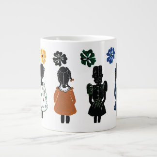 La pequeña taza enorme coloreada de los chicas por
