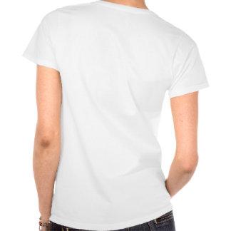 La pintada de la ropa de la guerra camiseta