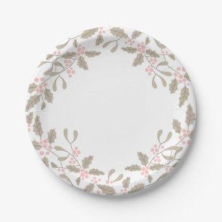 La placa de papel de la guirnalda del acebo y del plato de papel