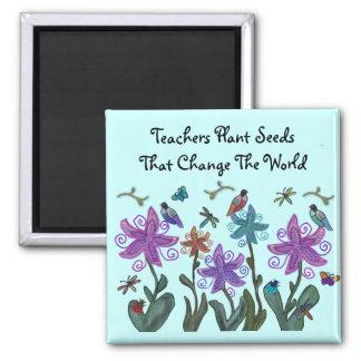 La planta de los profesores siembra los imanes imanes