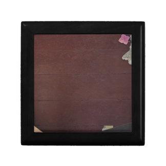 La plantilla de la sombra del color oscuro fácil caja de regalo