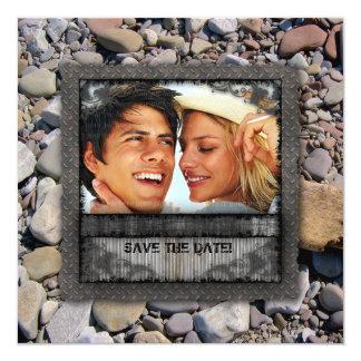 La playa de la naturaleza del boda empiedra al invitación 13,3 cm x 13,3cm