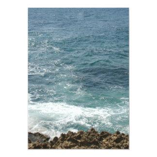 La playa resuelve el océano invitación 12,7 x 17,8 cm