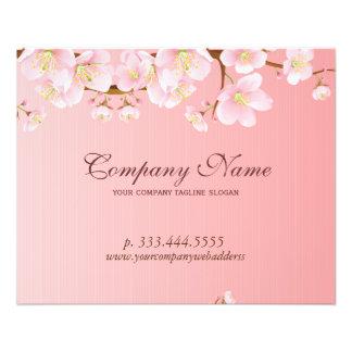 La primavera suavemente rosada y blanca florece el folleto 11,4 x 14,2 cm