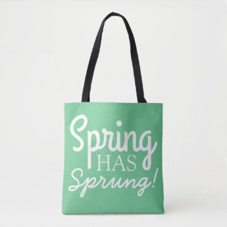 La primavera verde suave tiene bolsas de asas