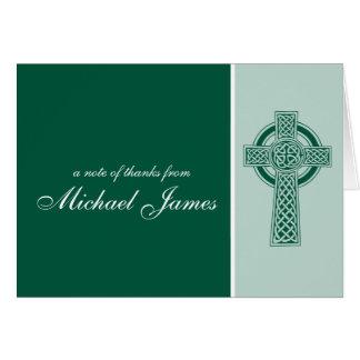 La primera comunión de la cruz religiosa le tarjeta pequeña