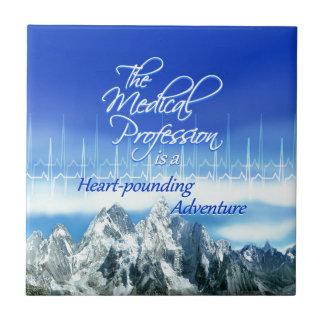La profesión médica es un Adventure_Heartbeat Azulejo Cuadrado Pequeño
