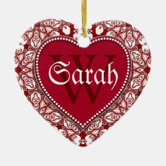 La puerta conocida roja blanca tribal firma el adorno navideño de cerámica en forma de corazón