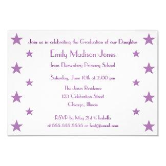 La púrpura protagoniza la invitación de la fiesta