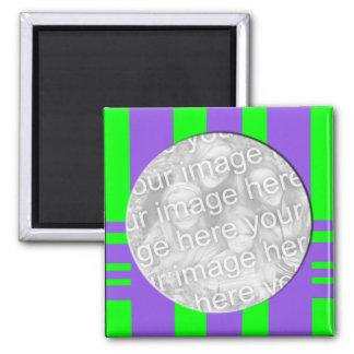 la púrpura verde raya el marco de la foto imán cuadrado
