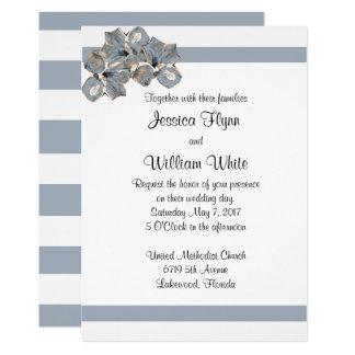 La raya azul polvorienta y el boda floral invitan invitación 12,7 x 17,8 cm