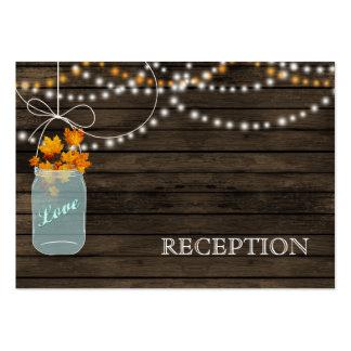 La recepción rústica de los tarros de albañil de tarjeta de visita