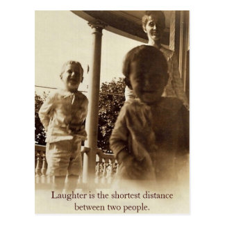 La risa es la distancia más corta entre 2 personas postal