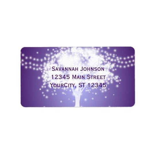 La secuencia púrpura del árbol enciende etiquetas etiquetas de dirección