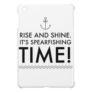 La subida y lo brilla es tiempo de Spearfishing