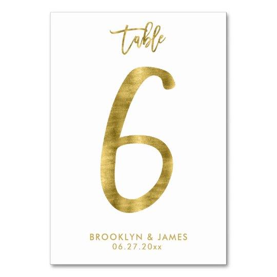 La tabla del boda numera el efecto número 6 de la tarjeta