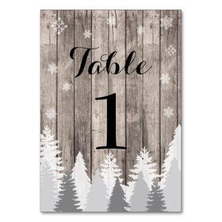 La tabla numera tarjetas de madera del bosque del