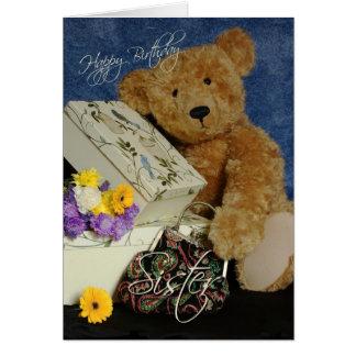 La tarjeta de cumpleaños de la hermana con el oso
