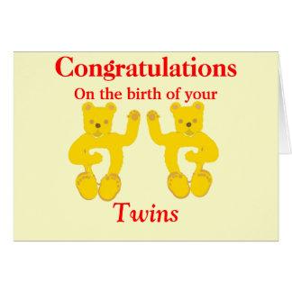 La tarjeta del nacimiento de los gemelos de la