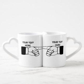 la taza a juego divertida de los pares, corrige el taza amorosa