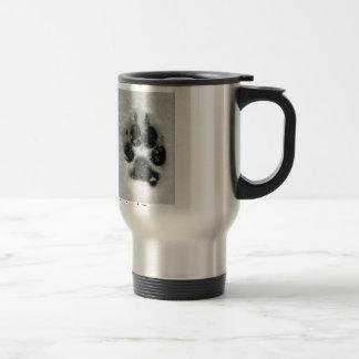 La taza del acero inoxidable muestra su pasión
