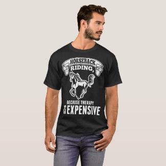 La terapia de la equitación es camiseta costosa