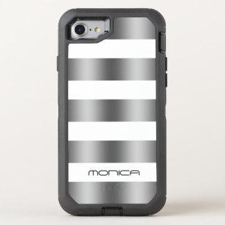 La textura gris blanca y metálica raya el modelo funda OtterBox defender para iPhone 8/7