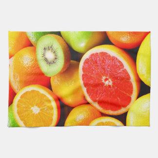 La toalla de cocina/mezcló la fruta