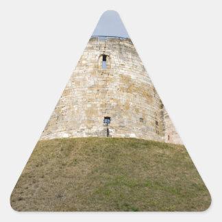 La torre de Clifford en el edificio histórico de Pegatina Triangular