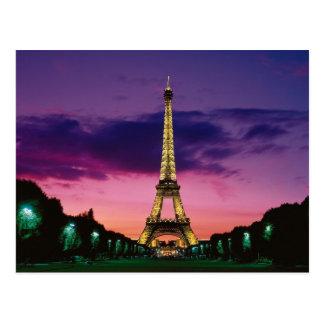 La torre Eiffel contra un cielo espectacular Postal