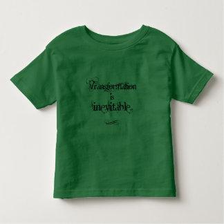 La transformación es camiseta inevitable del niño