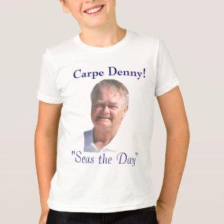 La travesía de Denny embroma la camisa