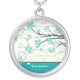 La turquesa de la rama de la magnolia florece el colgantes personalizados